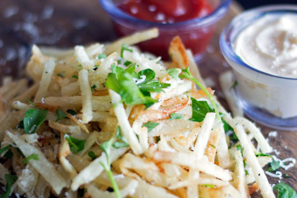 Truffle-Parmasen-Shoestring-French-Fries